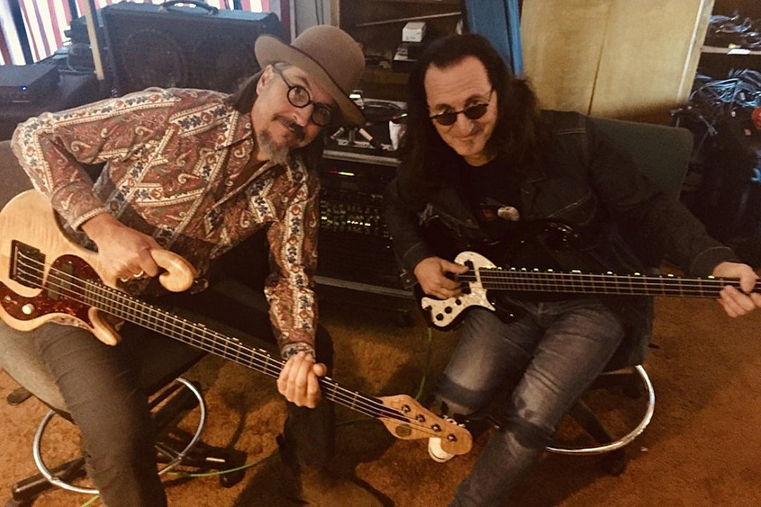 Primus' Les Claypool 'Learning' From Rush Bassist Geddy Lee