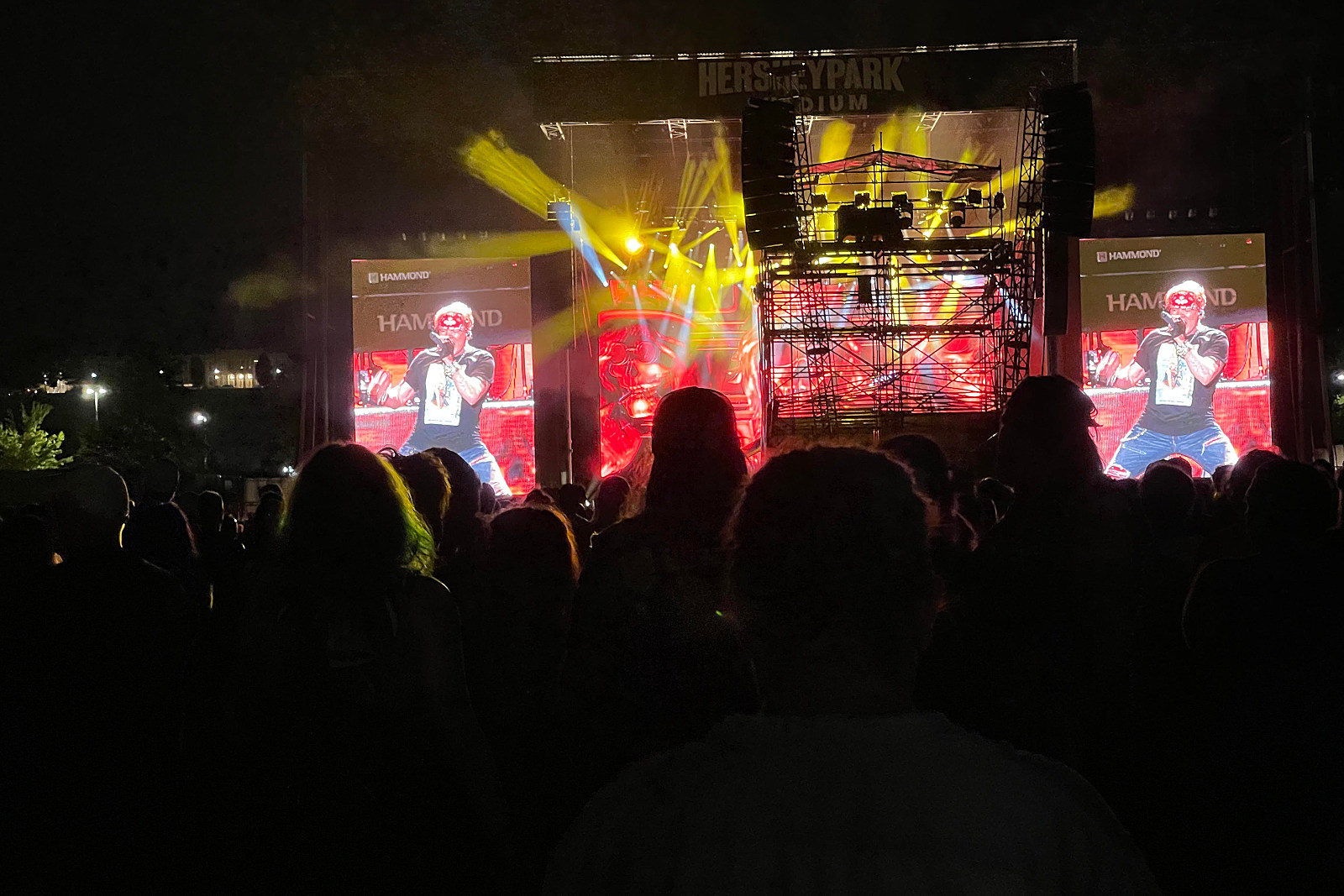 Guns N' Roses, Mammoth WVH Kick Off Summer Tour: Videos, Set List