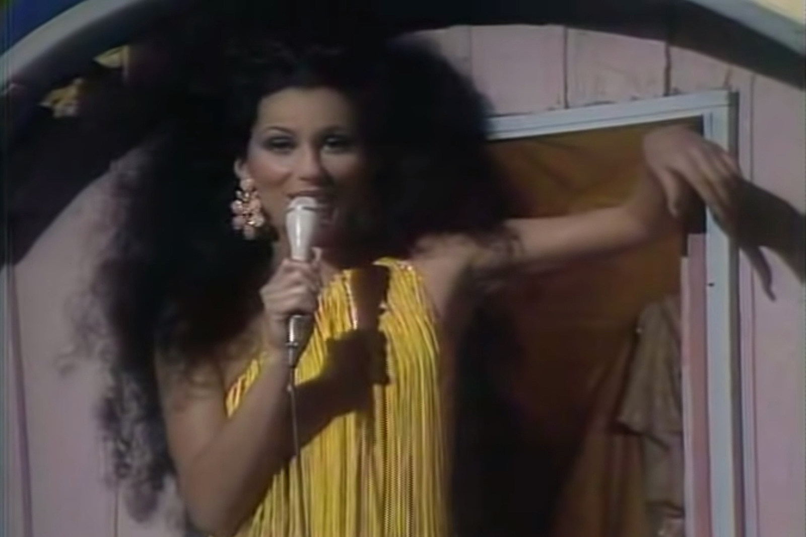 When Cher Scored a Revival Hit With  'Gypsys, Tramps and Thieves'