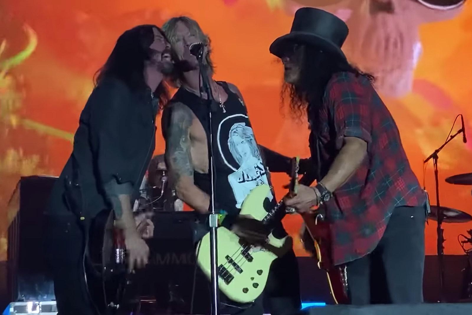 Guns' N' Roses Get Cut Off During BottleRock Festival Performance