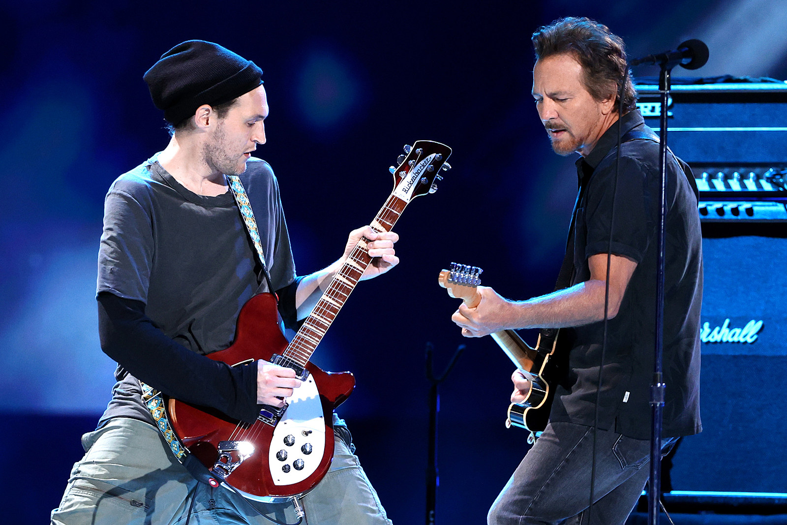 Pearl Jam Adds Former Red Hot Chili Peppers Guitarist to Lineup