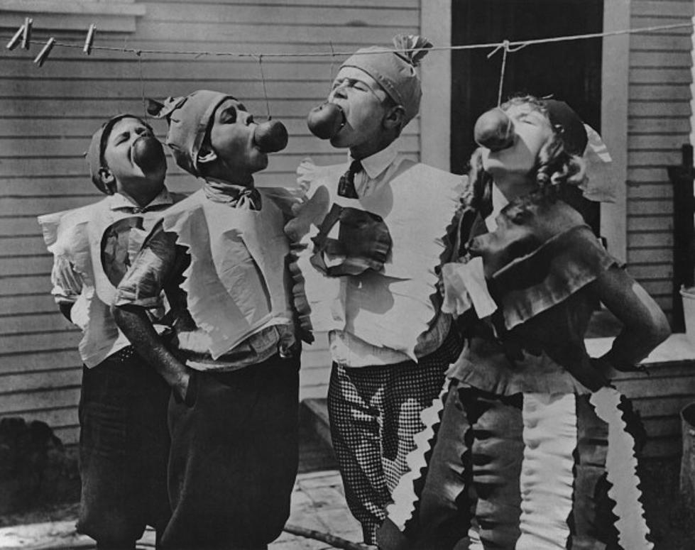 Vintage Halloween Costume Pictures.Creepy Vintage Halloween Costumes Photos