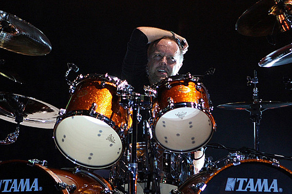 metallica drummer lars ulrich gives thanks to iron maiden. Black Bedroom Furniture Sets. Home Design Ideas