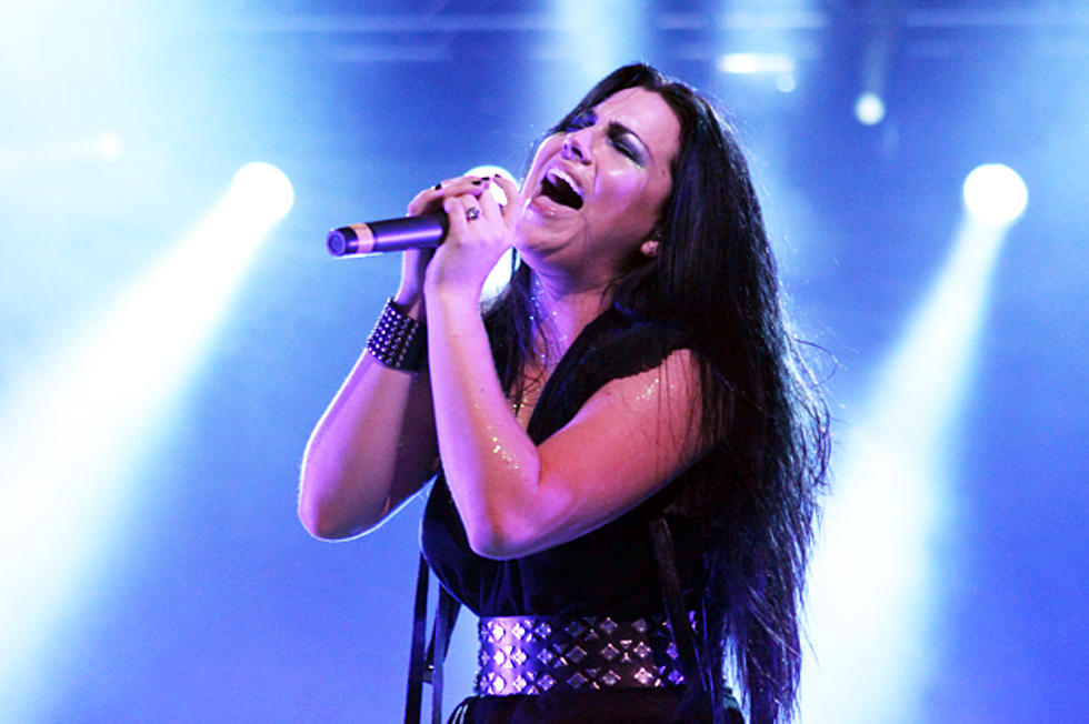 Evanescence's Amy Lee Covers Portishead's 'It's a Fire'