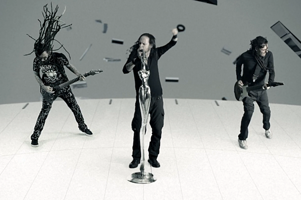 korn beat the clock in new video for 39 never never 39. Black Bedroom Furniture Sets. Home Design Ideas