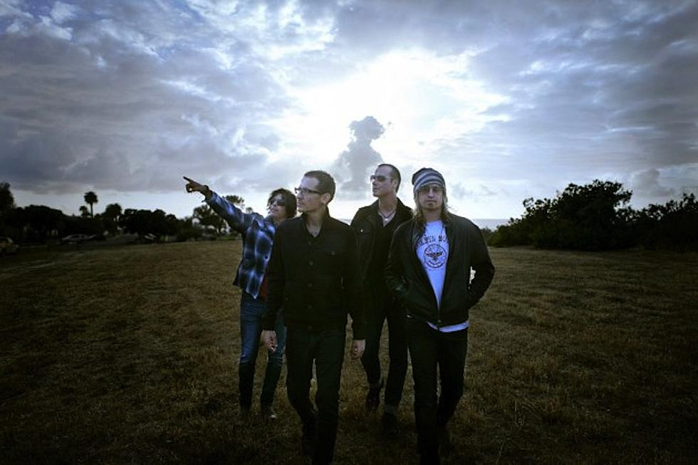 Stone Temple Pilots With Chester Bennington to Play Benefit