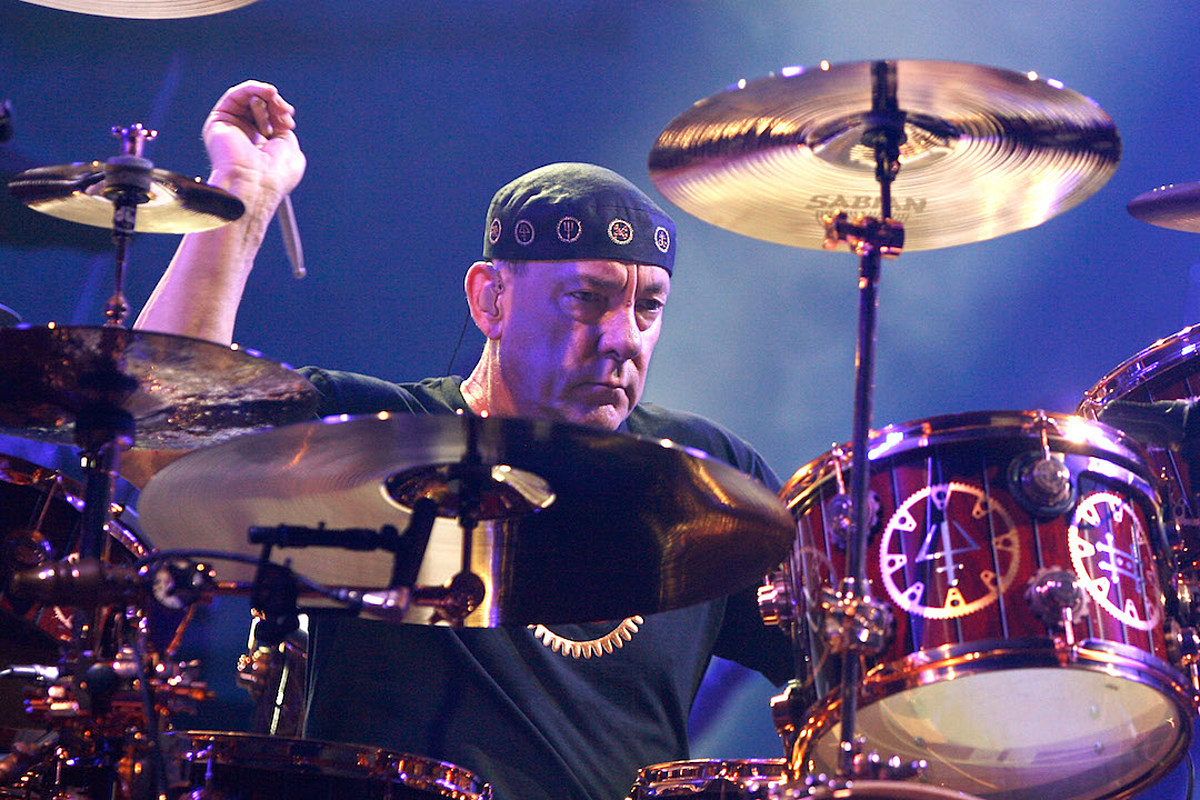 Rush Sales Up Over 2,000 Percent Following Death of Neil Peart