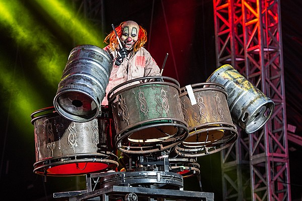 The Dangers Of Slipknot S Stage With Shawn Clown Crahan