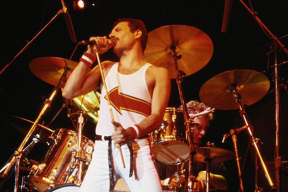 81452da7abb4a Handwritten Freddie Mercury Queen Set List Goes on Sale
