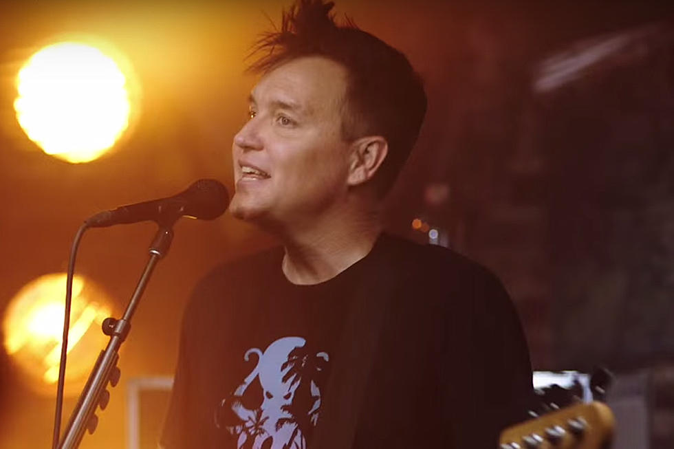 Blink-182 Reveal 'Bored to Death' Video