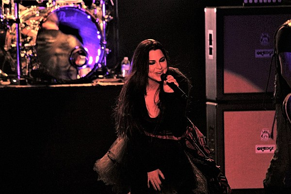 Evanescence Unearth Early Demo Track Even In Death