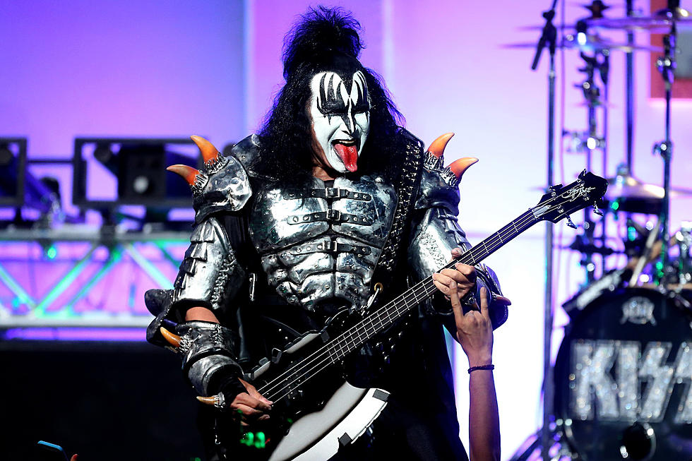 Gene Simmons Put Ice Cubes in His Cereal + Internet Melted Down