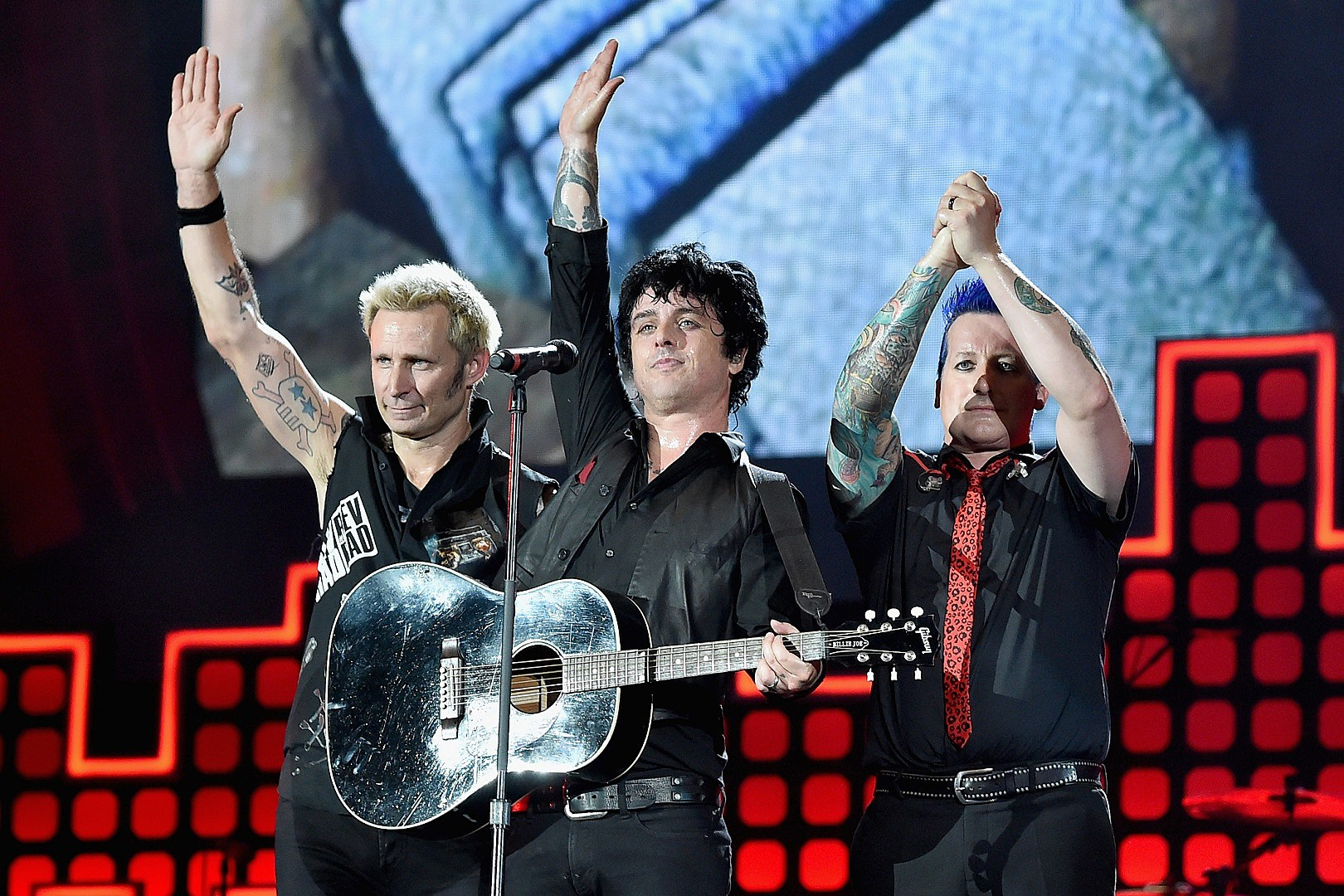 Green Day Announce Greatest Hits God S Favorite Band
