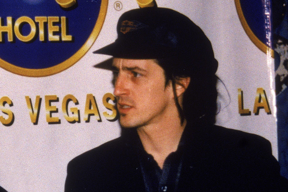 Fans Launch Petition for Izzy Stradlin to Return to the Stage