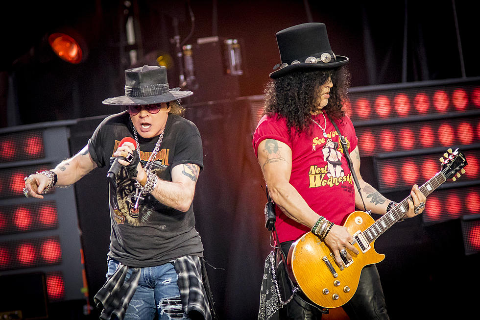 2d19232cd69 Axl Rose Initiated Phone Call With Slash Before Guns N  Roses Reunion