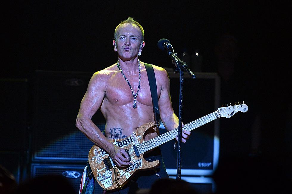 Reporter Has No Idea She Is Talking To Def Leppard S Phil Collen