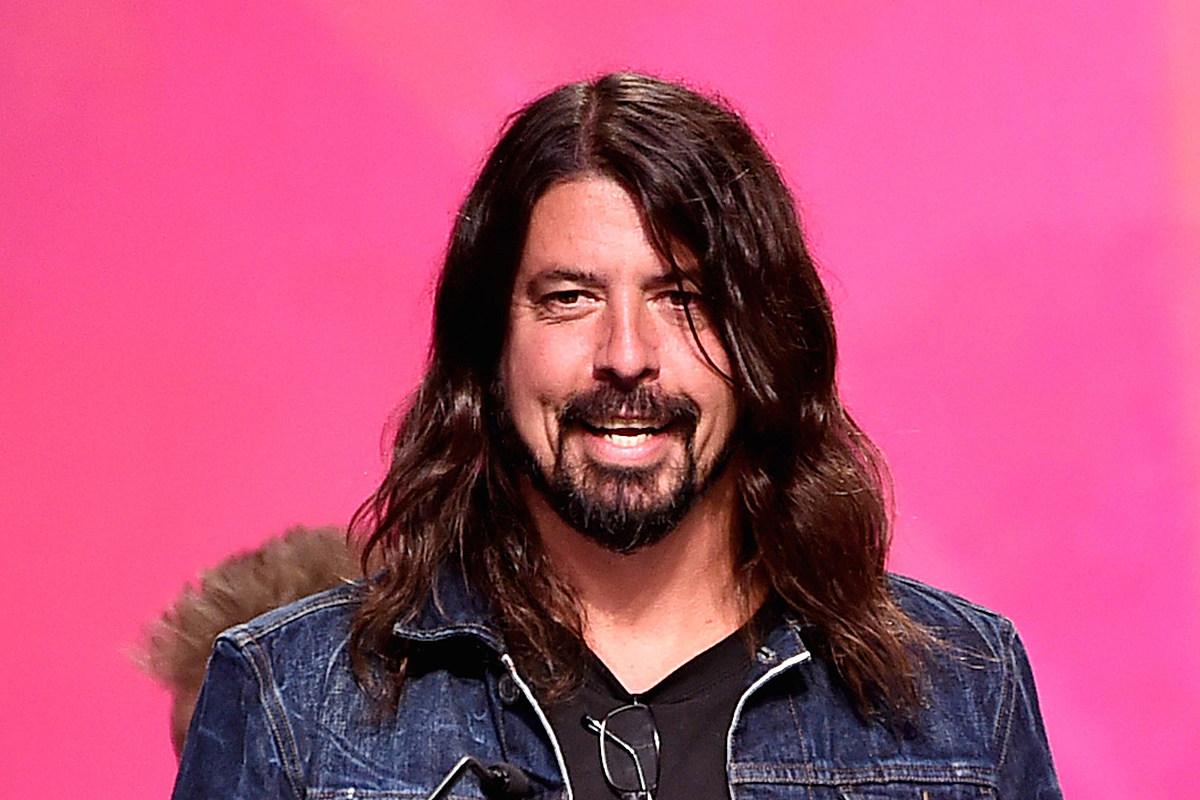Дэйв Грол раскрывает, кого он хочет ввести в рок-зал Foo Fighters
