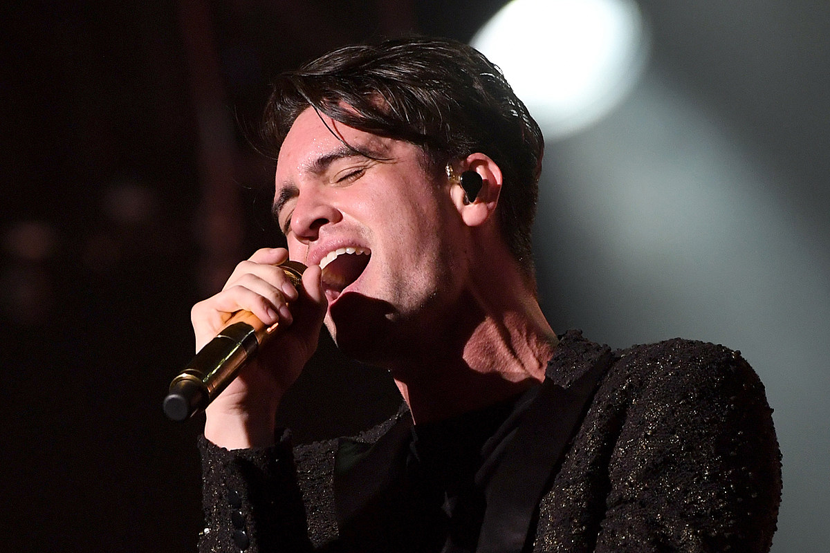 Jeopardy!' Champ Thought Panic! at the Disco Was Fall Out Boy
