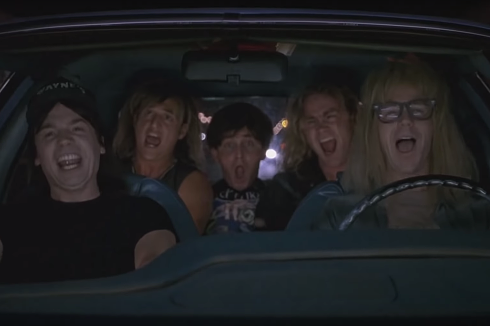 Wayne's World' Stars Reunite to Present 'Bohemian Rhapsody'