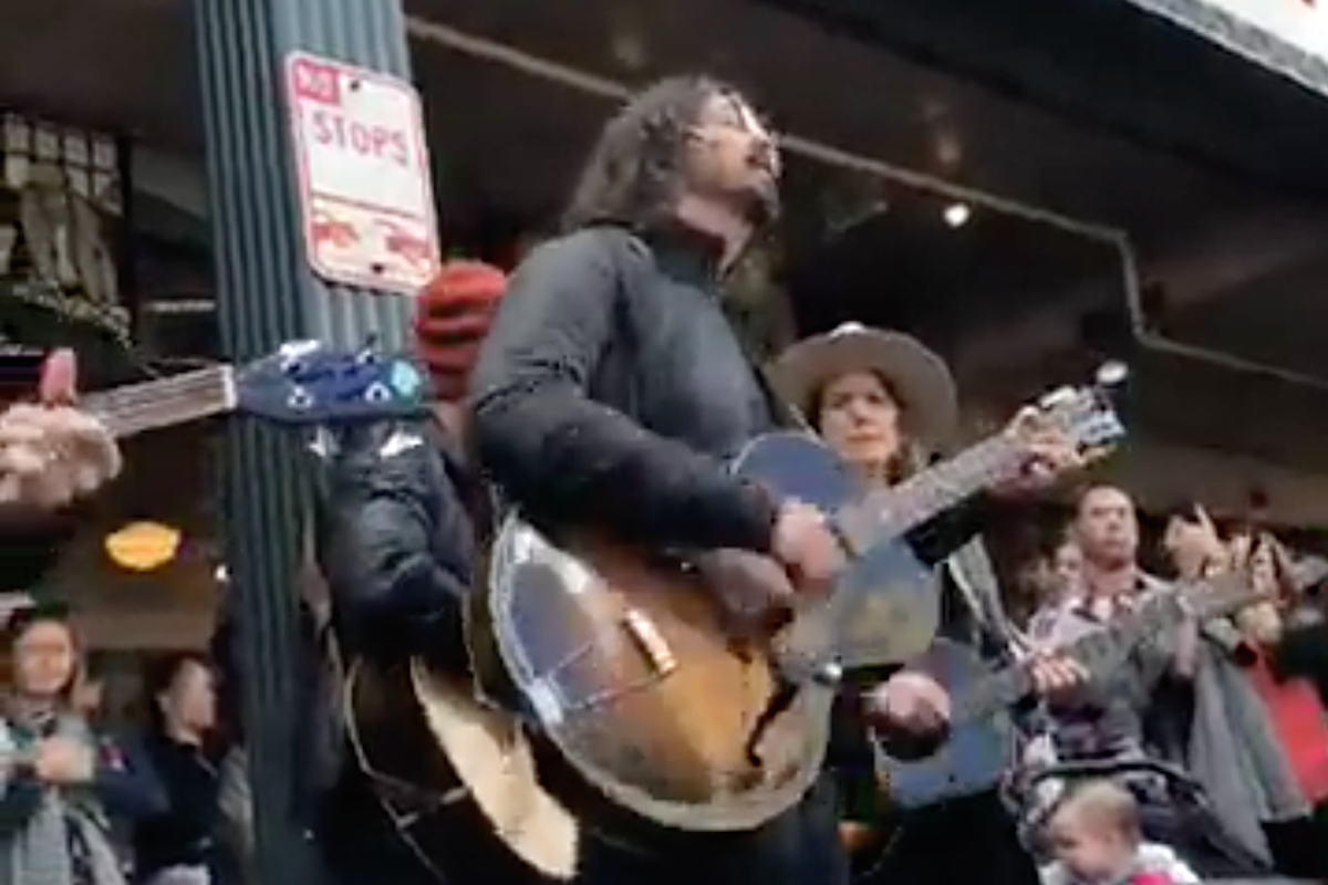 Watch Dave Grohl Busk With Brandi Carlile in Seattle