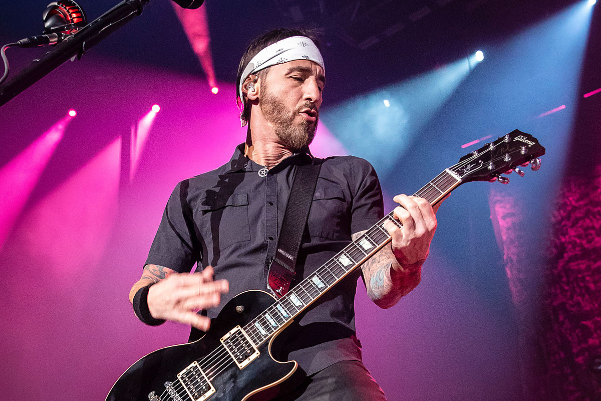 20c0abd4d08 Godsmack s Sully Erna Making a Documentary About His Life
