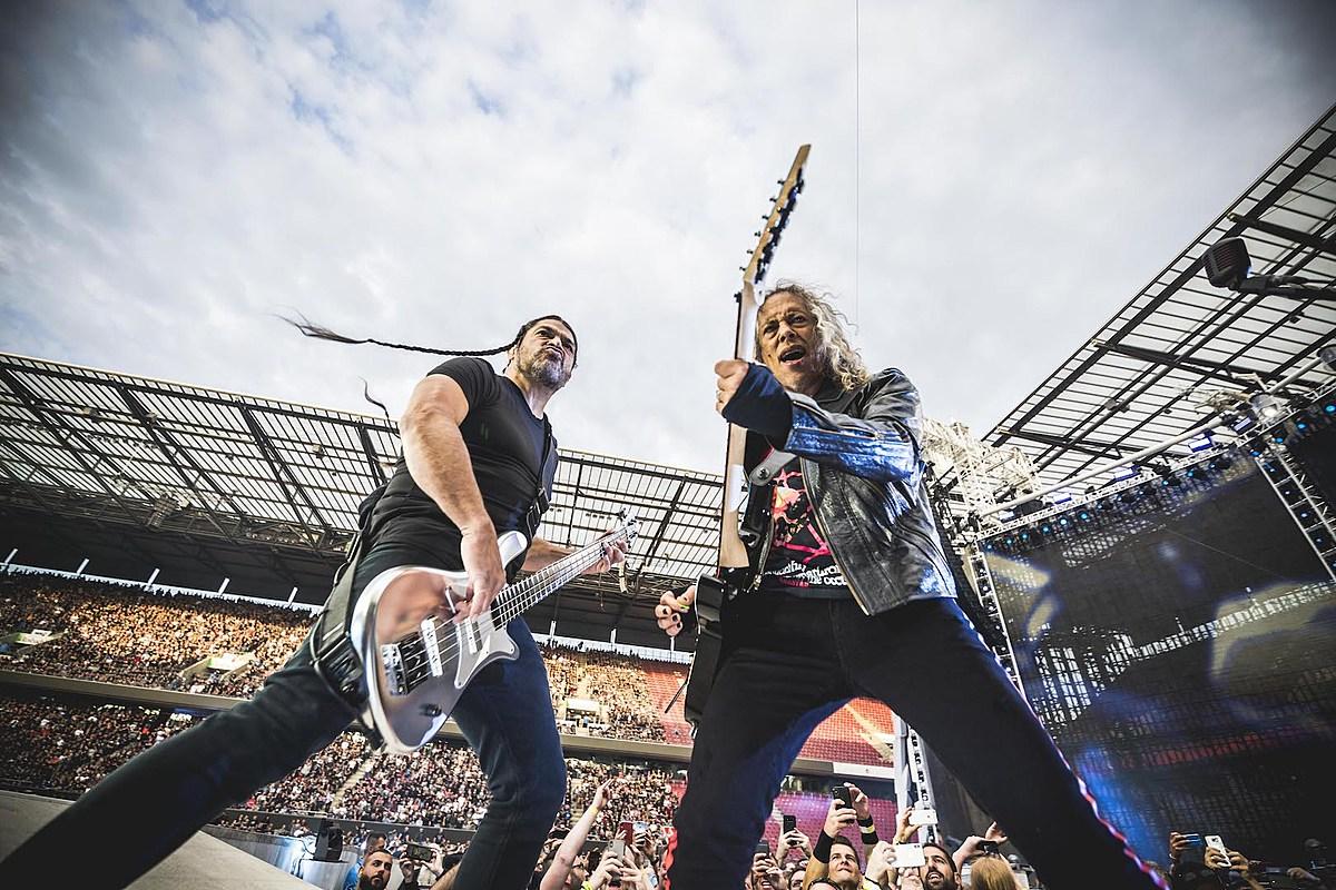 Metallica Members to Play Classic Rock Covers as Wedding Band