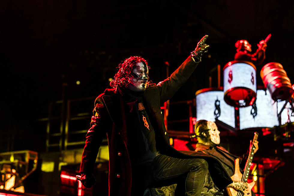 Slipknot First Metal Album to Hit No  1 in the UK Since 2015