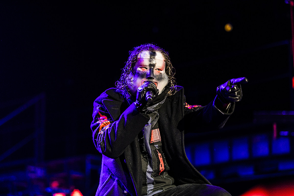 Corey Taylor Stops Slipknot Show After Mosh Pit Gets Too Rough