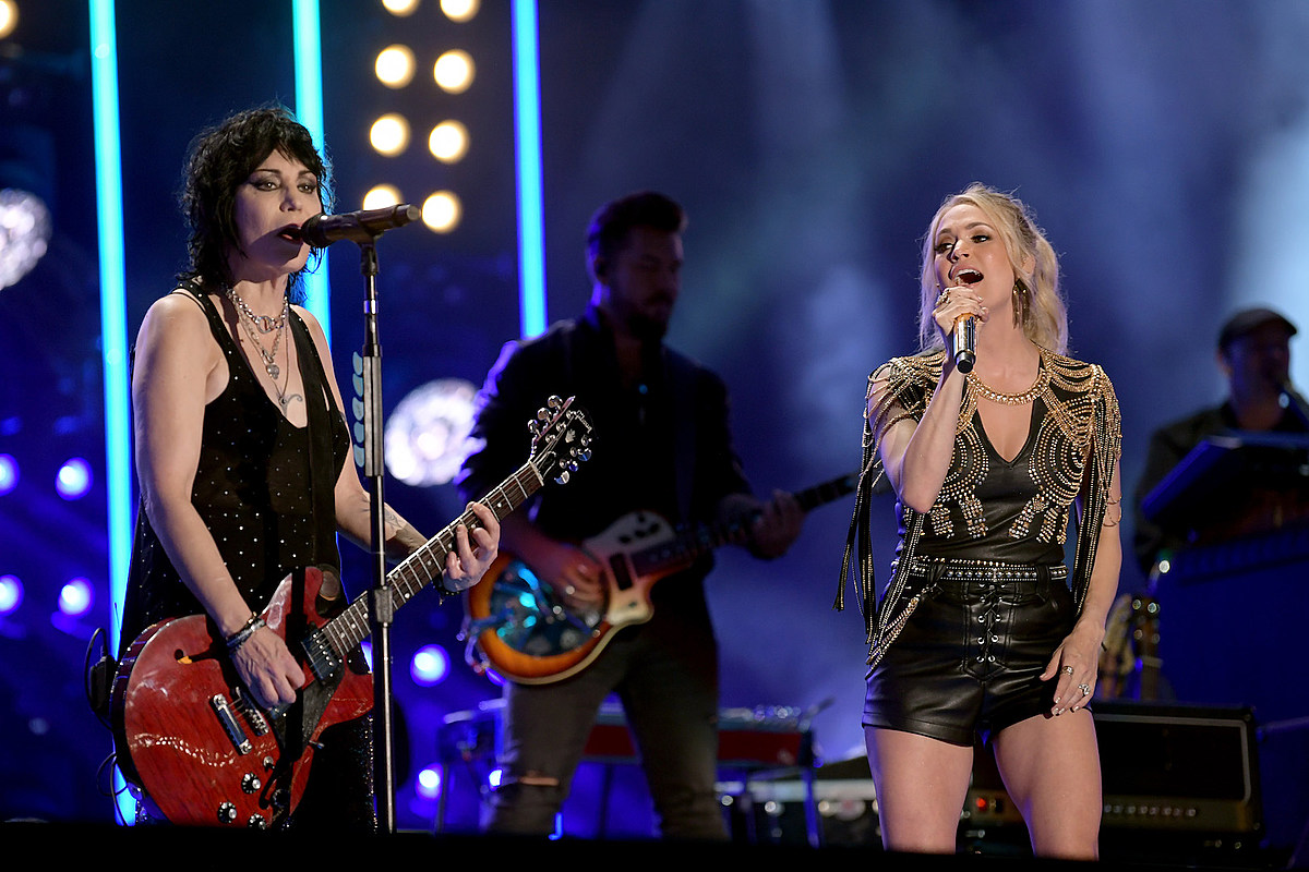 Joan Jett to Join Carrie Underwood on 'Sunday Night Football'