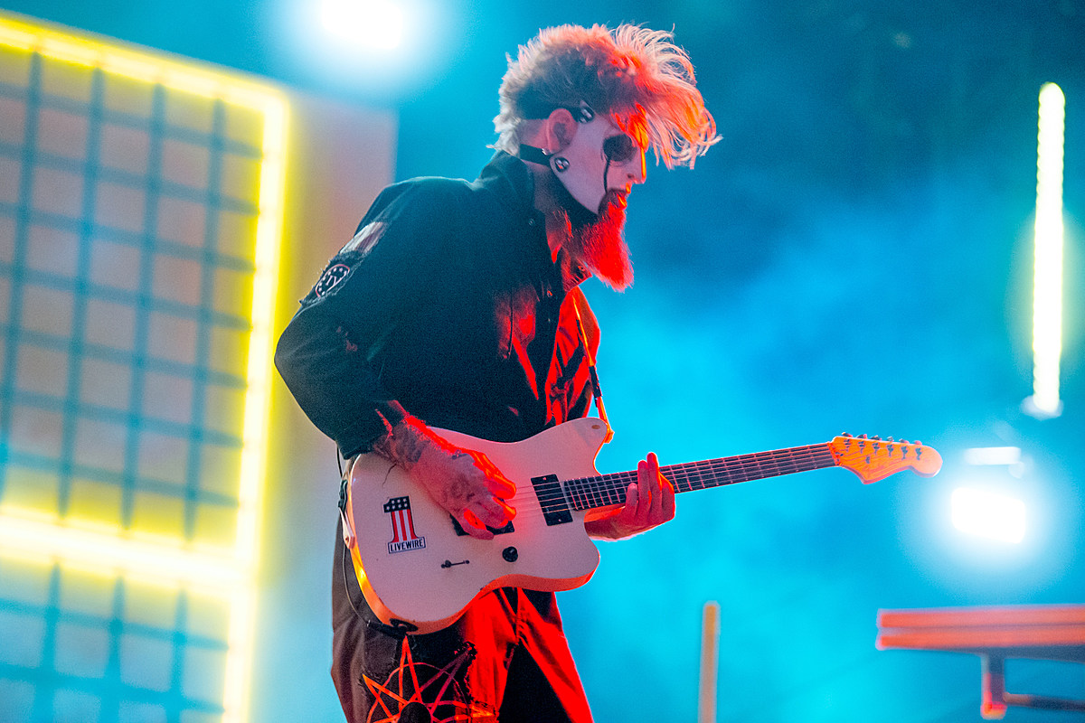 Slipknot's Jim Root: I Put Off Having a Family to Be in This Band