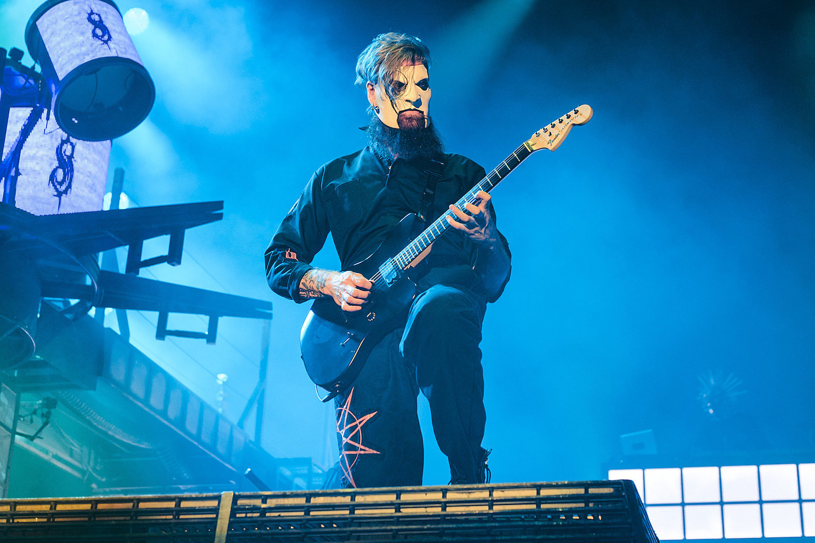 Jim Root Got a Guitar Over 10 Years Ago + Never Opened The Box