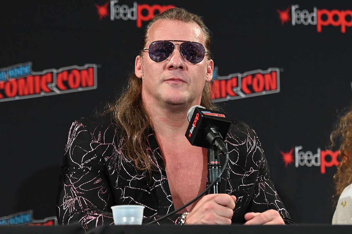 Chris Jericho Unveils Cover of the Kinks' 'Father Christmas'