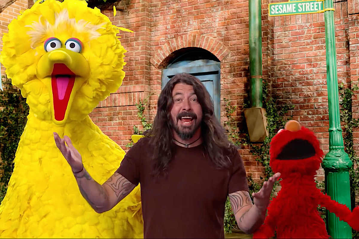 Watch Dave Grohl Rock 'Sesame Street' With the 'Here We Go Song'