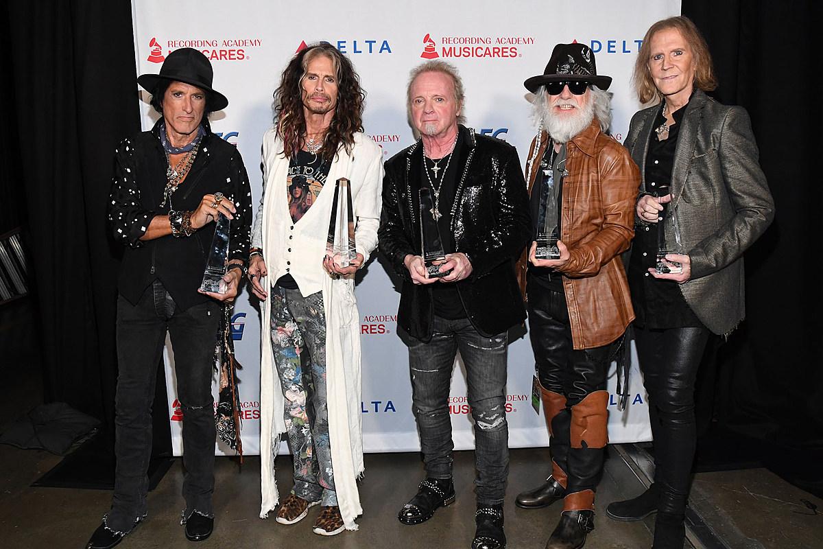 Joey Kramer Joins Aerosmith at MusiCares Gala, Doesn't Perform
