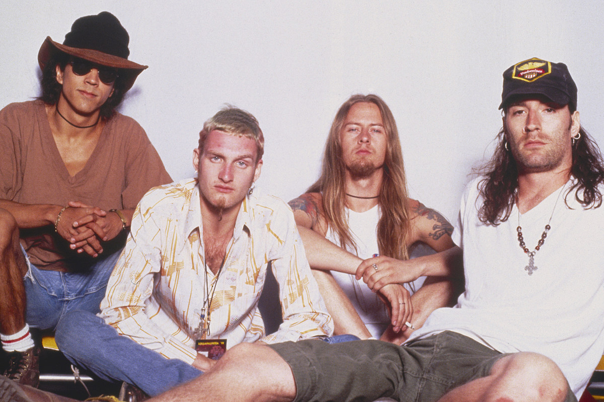 Alice in Chains' 'Jar of Flies' EP: 10 Facts Only Superfans Know