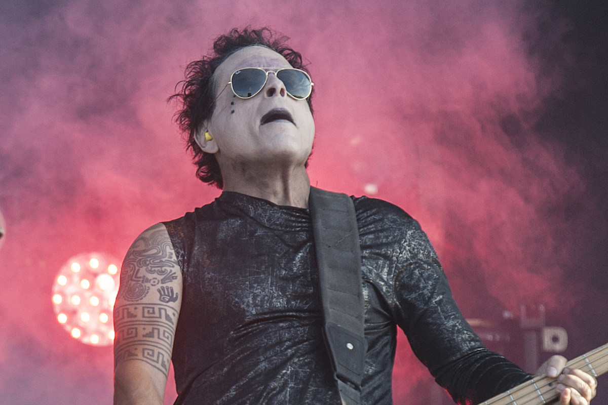 Marilyn Manson/Mars Volta Bassist in Coma After Bicycle Accident