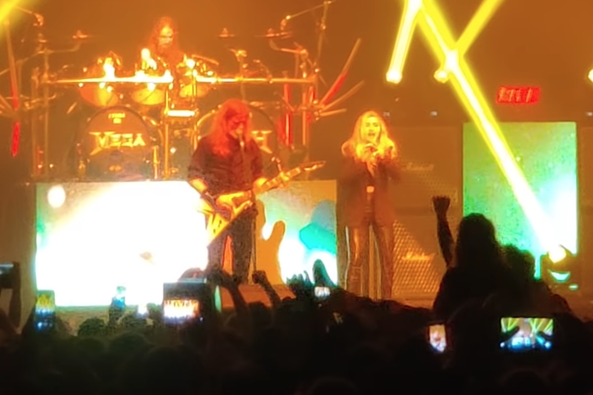 Megadeth Play 'A Tout Le Monde' Live With Dave Mustaine's Daughter Electra