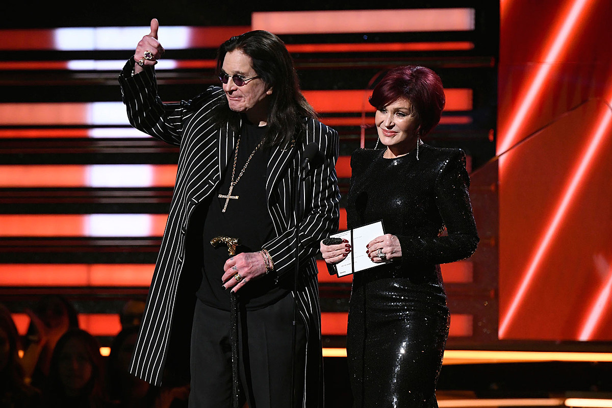 Ozzy Osbourne Presents Best Rap / Sung Performance at Grammys