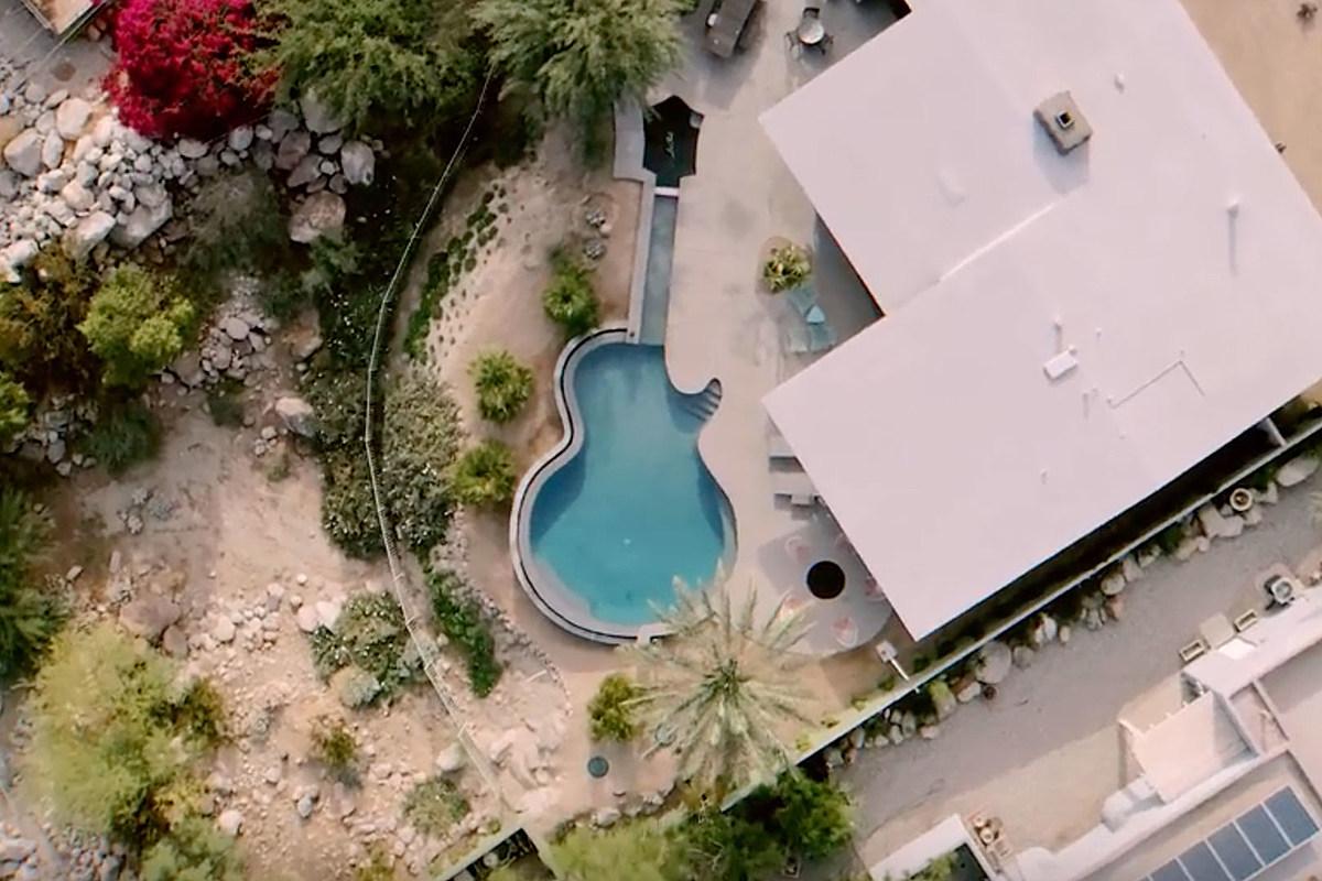 Paul McCartney Guitarist Has 'Les Pool' - a Les Paul Guitar-Shaped Pool