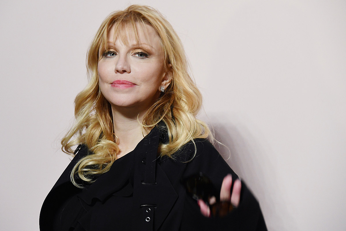 Courtney Love Says She's 18 Months Sober
