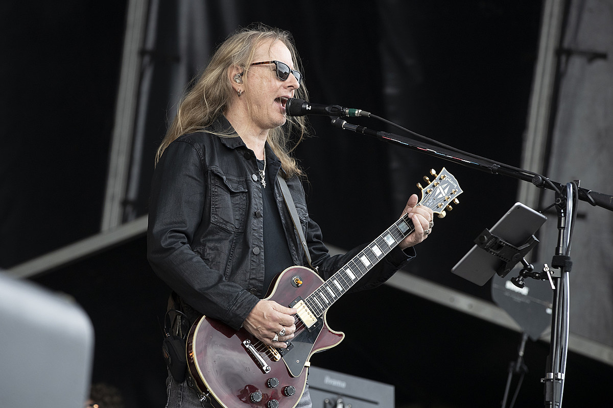 Alice in Chains' Jerry Cantrell Working on New Solo Album
