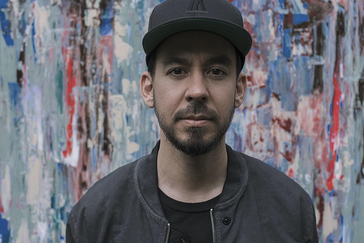 mike shinoda press photo 2018 Linkin Park's Mike Shinoda Recalls Hair Metal's Lack of Diversity