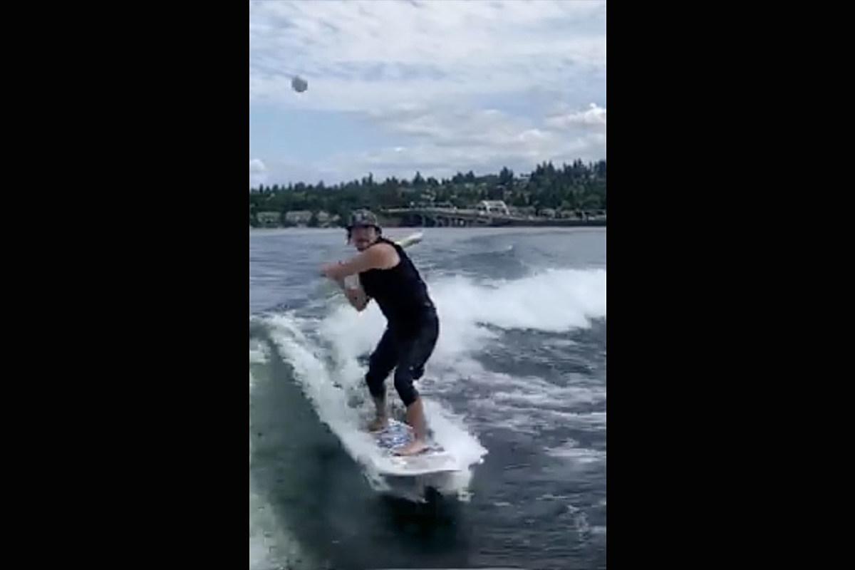 Eddie Vedder Makes Incredible 'Trick Shot' for ALS Challenge
