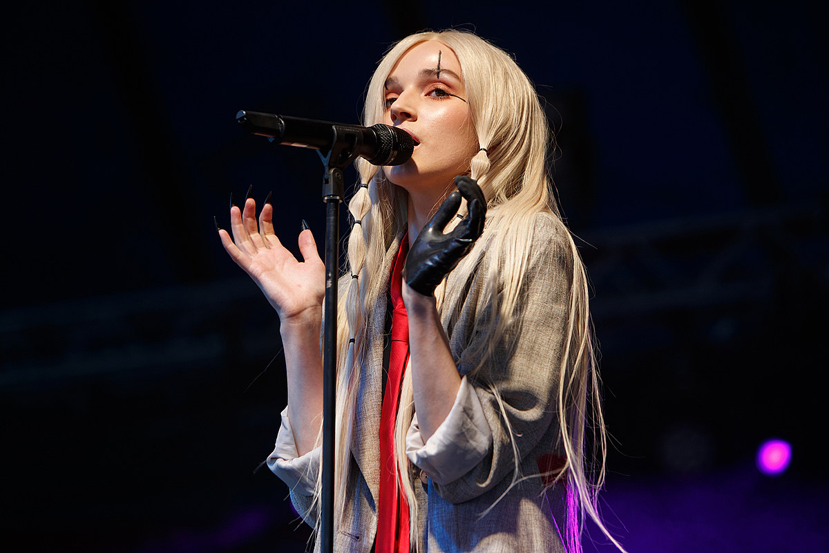 GettyImages 1176217366 Poppy Drops Three New Songs, Releases 'I Disagree (More)' Album