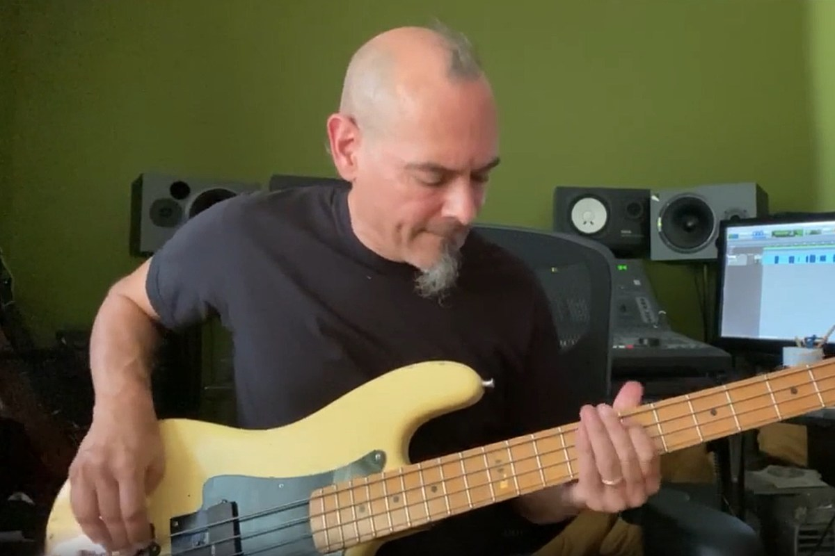 Armored Saint's Joey Vera Plays His Favorite Bass Riffs