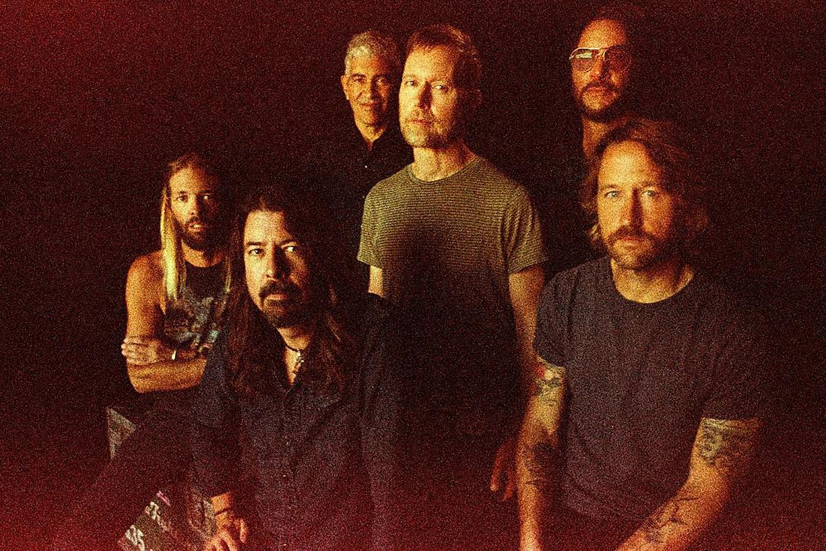 Foo Fighters объяснили решение выпустить альбом во время пандемии