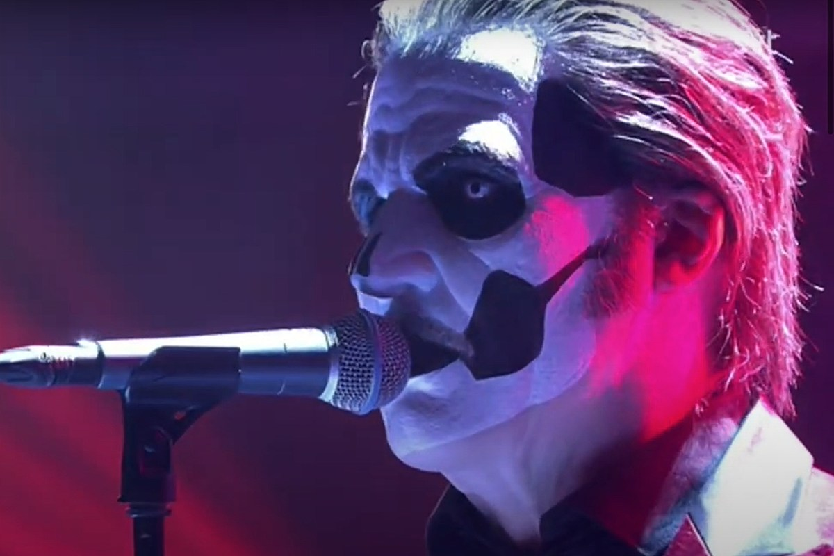 Почетный папа IV Ghost впервые появился на телевидении, поет Rolling Stones «Sympathy for the Devil»