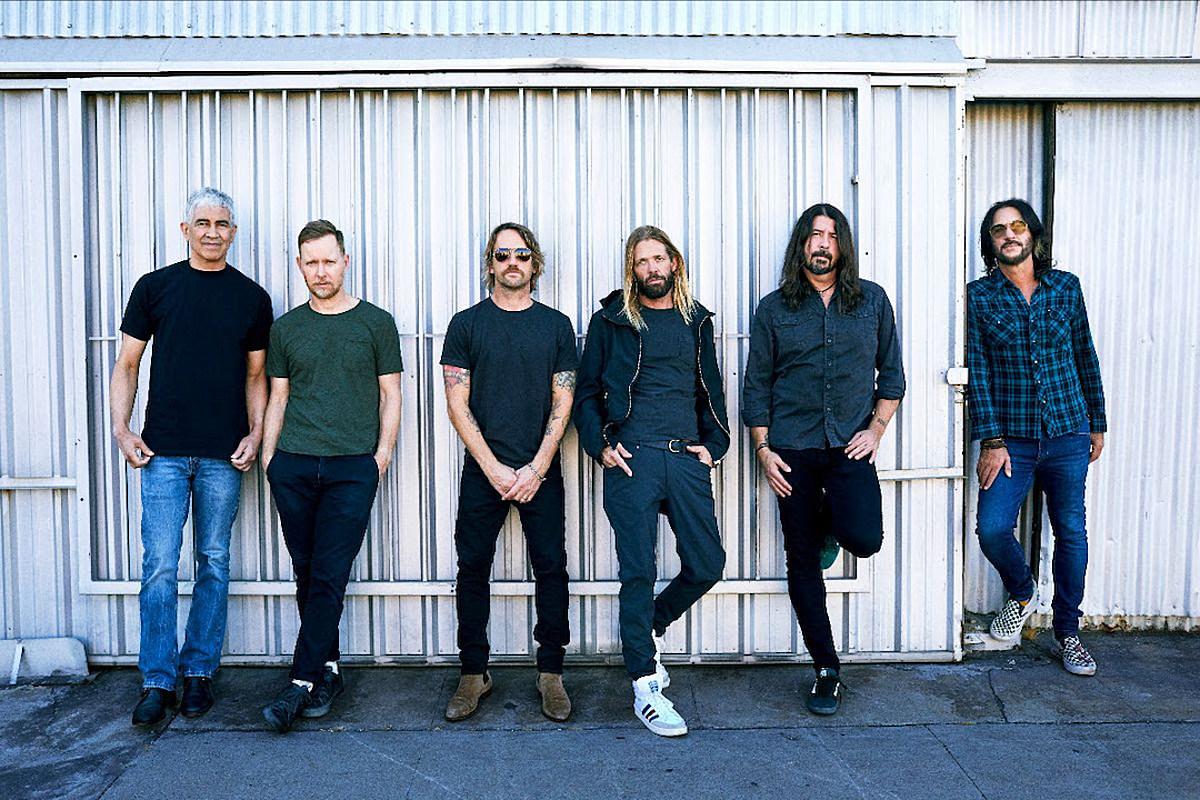 Foo Fighters 'Waiting on a War' в новой песне из 'Medicine at Midnight'