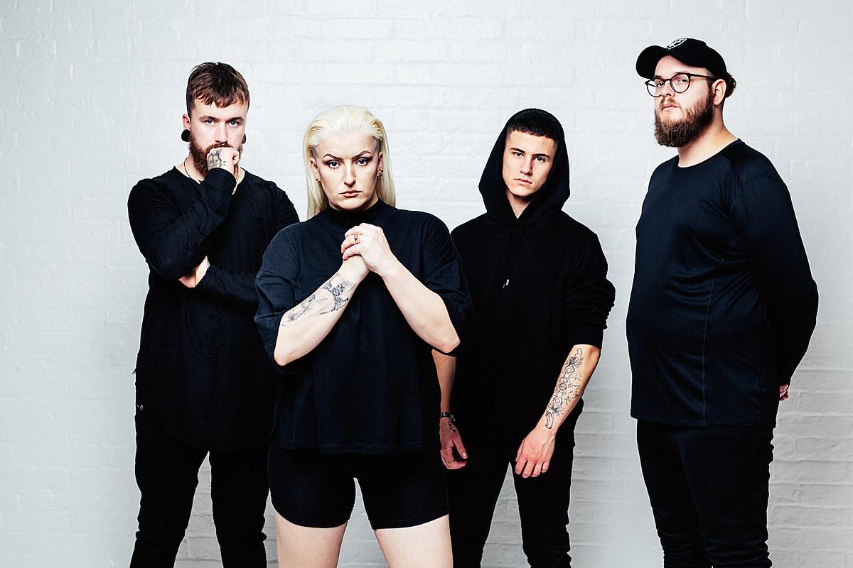 Британские брутализаторы альтернативного металла, раздраженные, тоже устали от этого мира на новой песне 'Hideous'