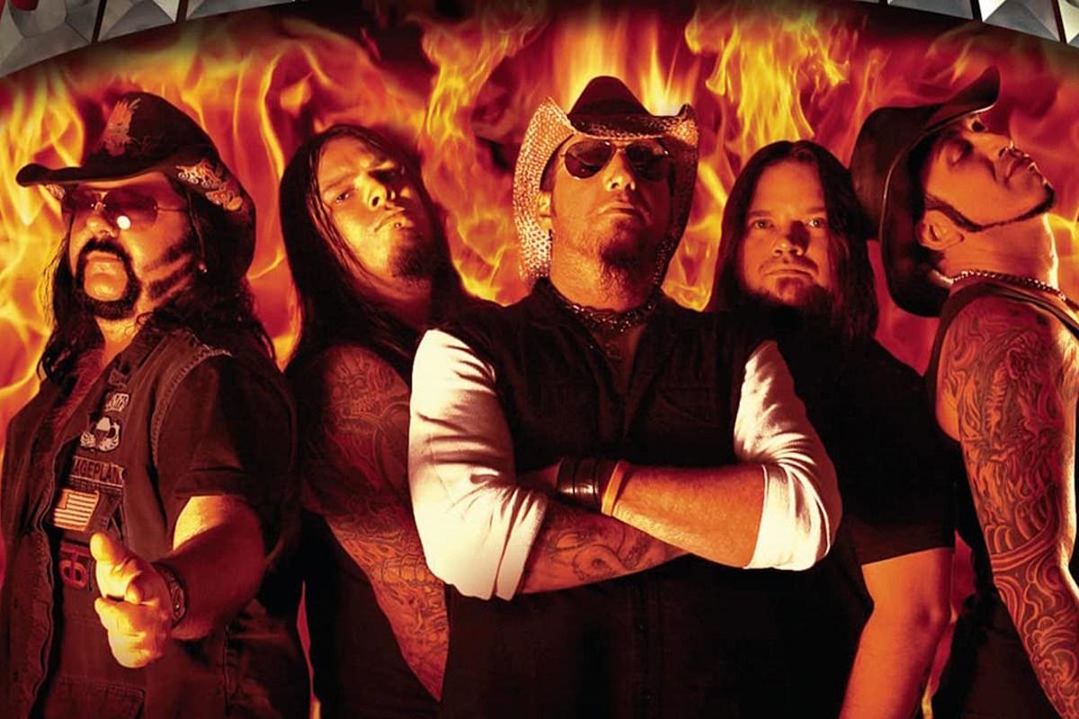 Одноименный дебют Hellyeah теперь сертифицирован RIAA как золото